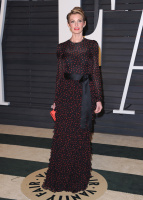 """Faith Hill """"2015 Vanity Fair Oscar Party hosted by Graydon Carter at Wallis Annenberg Center for the Performing Arts in Beverly Hills"""" (22.02.2015) 58x  SyhvBDMZ"""