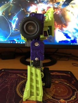 [Toyworld] Produit Tiers - Jouet TW-C Constructor aka Devastator/Dévastateur (Version vert G1 et jaune G2) - Page 6 O6fc8Myb