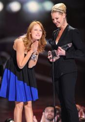 Katherine Heigl - 35th Annual People's Choice Awards, 7 января 2009 (58хHQ) G8BHZXWk