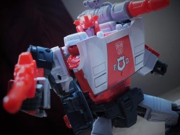 [Masterpiece] MP-14 Red Alert/Feu d'Alerte - Page 2 ICkBZYXP