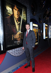 Richard Armitage - The Hobbit An Unexpected Journey - Canadian Premiere - Toronto, December 3, 2012 - 10xHQ CKbSPANR