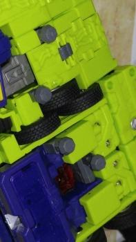 [Toyworld] Produit Tiers - Jouet TW-C Constructor aka Devastator/Dévastateur (Version vert G1 et jaune G2) - Page 7 0AE7b3Tx