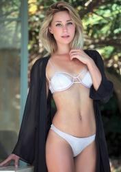 Alison Cossenet 16