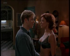 Kari Wuhrer @ Sex & The Other Man (US 1997) SVh8HOaa