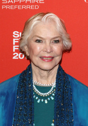 Ellen Burstyn - 2016 Sundance Film Festival: Wiener-Dog Premiere @ Eccles Center Theatre in Park City - 01/22/16