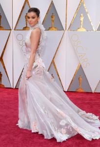 Hailee Steinfeld - 89th Annual Academy Awards in Hollywood - February 26th 2017