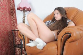2011-07-15 - Malina B - Presenting (x136) 2832x4256