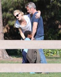 Sean Penn - Sean Penn and Charlize Theron - enjoy a day the park in Studio City, California with Charlize's son Jackson on February 8, 2015 (28xHQ) CrKTXrzm