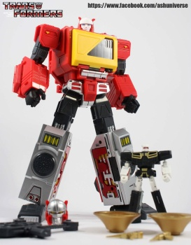 [KFC Toys] Produit Tiers - Jouet Transistor (aka Blaster/Tempo) + DoubleDeck (Twincast) + Fader (aka Eject/Éjecteur) + Rover (aka Autoscout) - Page 2 WtqTYZ03