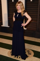 """Courtney Love """"2015 Vanity Fair Oscar Party hosted by Graydon Carter at Wallis Annenberg Center for the Performing Arts in Beverly Hills"""" (22.02.2015) 49x 2CCvBQcx"""