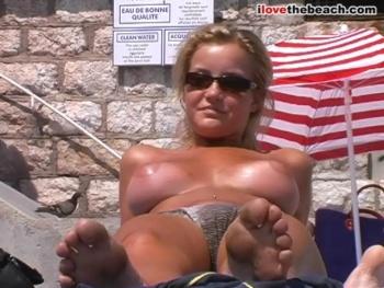 helen-skelton-nudist