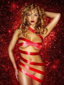 acxk8sap Emily Scott – Topless, Naked – Frank White Christmas Photoshoot (UUHQ) photoshoots