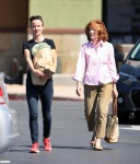 Juliette Lewis trip to the grocery sotre with her mother Glenis in Studio City August 14-2015 x18