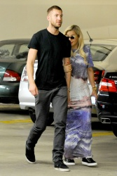 Calvin Harris and Rita Ora - out in New York - June 20, 2013 - 24xHQ H0iJNUIw