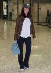 Jennifer Love Hewitt - at Washington Dulles International Airport 4/22/13