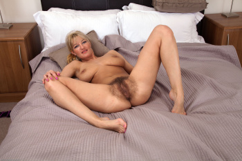 mature-hairypussy-forum