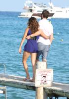 Nina Dobrev with her boyfriend Austin Stowell in Saint-Tropez (July 24) PmPFS7Ow