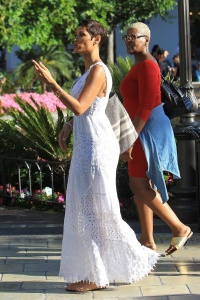 Nicole Murphy  - Shopping At The Grove In A Lace Dress (6/15/17)