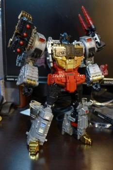 [Toyworld][Zeta Toys] Produit Tiers - Jouet TW-D aka Combiner Dinobots 0lwNnfoG