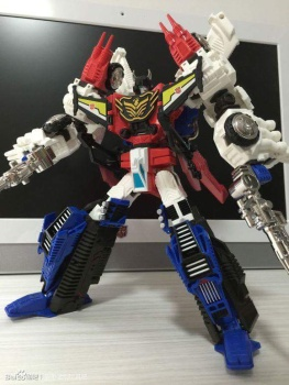 [Mastermind Creations] Produit Tiers - RC-01 Hexatron (aka Sixshot/Hexabot) et RC-01G Grandus Hexatron (aka Greatshot) - Page 3 KobUJ8jq
