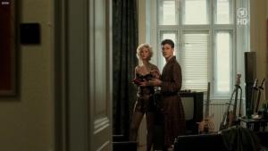 Doris Golpashin, Patricia Aulitzky, Martina Hirsch & Others @ Falco: Verdammt wir leben noch  (D/Ö 2008) [720p HDTV] 5FKWRs7G