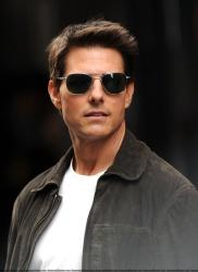 Tom Cruise - on the set of 'Oblivion' in New York City - June 13, 2012 - 52xHQ UJXg8LRI