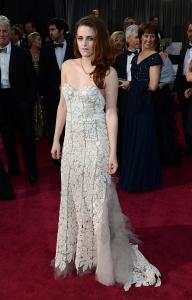 Kristen Stewart - Imagenes/Videos de Paparazzi / Estudio/ Eventos etc. - Página 31 AbpiVrnE