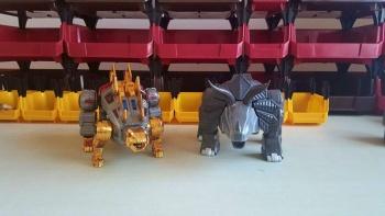 [GigaPower] Produit Tiers - Jouets HQ-01 Superator + HQ-02 Grassor + HQ-03 Guttur + HQ-04 Graviter + HQ-05 Gaudenter - aka Dinobots - Page 4 6XozVRQ1