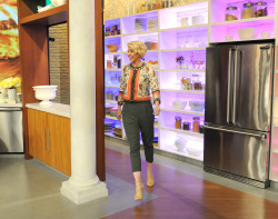 Jenna Elfman - The Chew: April 3rd 2017