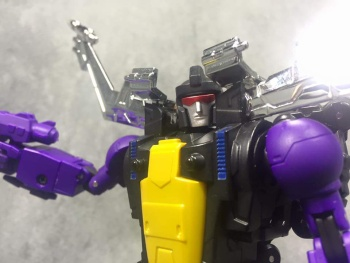 [Fanstoys] Produit Tiers - Jouet FT-12 Grenadier / FT-13 Mercenary / FT-14 Forager - aka Insecticons - Page 3 Rnd9xE2T