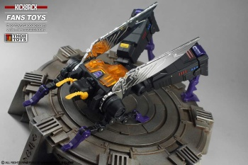 [Fanstoys] Produit Tiers - Jouet FT-12 Grenadier / FT-13 Mercenary / FT-14 Forager - aka Insecticons - Page 4 TVrj8TQF