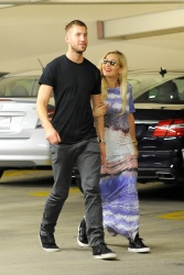 Calvin Harris and Rita Ora - out in New York - June 20, 2013 - 24xHQ 0Lfd55DF
