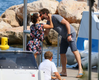 Nina Dobrev and Asustin Stowell enjoy the ocean off the cost the French Riviera (July 26) DSN4LYAb
