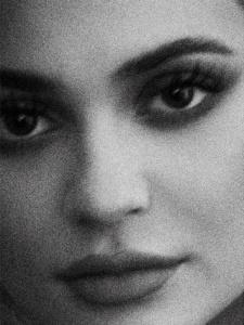 Kylie Jenner - Violet Grey 2017