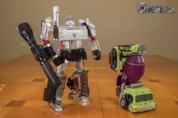 [Generation Toy] Produit Tiers - Jouet GT-01 Gravity Builder - aka Devastator/Dévastateur 4bEoJ1GF