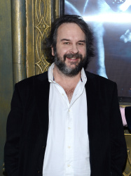 Peter Jackson - 'The Hobbit An Unexpected Journey' New York Premiere benefiting AFI at Ziegfeld Theater in New York - December 6, 2012 - 18xHQ HeJCEgss