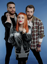 Paramore (Hayley Williams,  Jeremy Davis, Taylor York) - Chris McAndrew Photoshoot for The Guardian (February, 2013) - 35xHQ 5DTw5So9