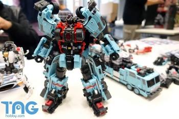 [MakeToys] Produit Tiers - Jouet MTCM-04 Guardia (aka Protectobots - Defensor/Defenso) - Page 3 R5VsmHZf