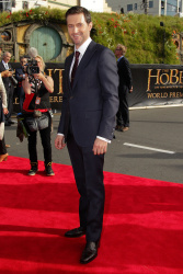 Richard Armitage - 'The Hobbit An Unexpected Journey' World Premiere at Embassy Theatre in Wellington, New Zealand - November 28, 2012 - 3xHQ 60qnCiXc