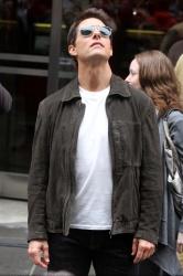 Tom Cruise - on the set of 'Oblivion' in New York City - June 13, 2012 - 52xHQ JKpPrRIH