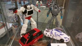 [Voodoo Robots] Produit Tiers - Salus (aka Ratchet/Mécano) & Animus (aka Ironhide/Rhino) ZPU4voXl