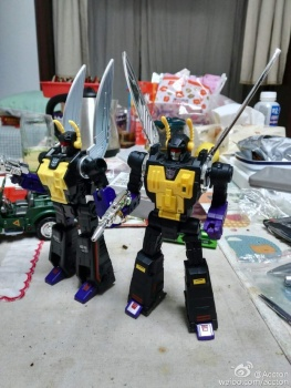 [Fanstoys] Produit Tiers - Jouet FT-12 Grenadier / FT-13 Mercenary / FT-14 Forager - aka Insecticons - Page 3 N4QKu0M9