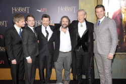 Richard Armitage - attends 'The Hobbit An Unexpected Journey' New York Premiere benefiting AFI at Ziegfeld Theater in New York - December 6, 2012 - 14xHQ MTweaK5k