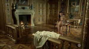 Anna Brewster, Hannah Arterton @ Versailles s02 (FR 2017) [1080p HDTV] YNzWWNsw