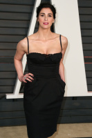 """Sarah Silverman """"2015 Vanity Fair Oscar Party hosted by Graydon Carter at Wallis Annenberg Center for the Performing Arts in Beverly Hills"""" (22.02.2015) 43x   RJZqX3fF"""