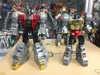 [Fanstoys] Produit Tiers - Dinobots - FT-04 Scoria, FT-05 Soar, FT-06 Sever, FT-07 Stomp, FT-08 Grinder - Page 9 9PCcW3TY