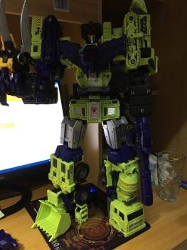 [Toyworld] Produit Tiers - Jouet TW-C Constructor aka Devastator/Dévastateur (Version vert G1 et jaune G2) - Page 6 4VAym0V8