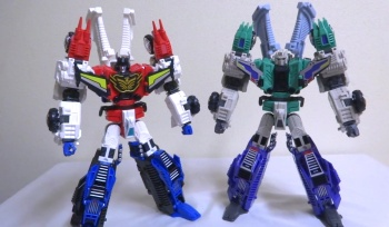 [Mastermind Creations] Produit Tiers - RC-01 Hexatron (aka Sixshot/Hexabot) et RC-01G Grandus Hexatron (aka Greatshot) - Page 3 5UpfYAtA