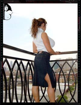 006 - Balcony Voyeur!