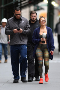 Jennifer Lopez - Heads To A NYC Gym With ARod (8/28/17)